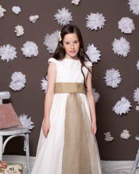 Vestido de comunión Rita en satin blanco con puntilla y entredos de flores blancas