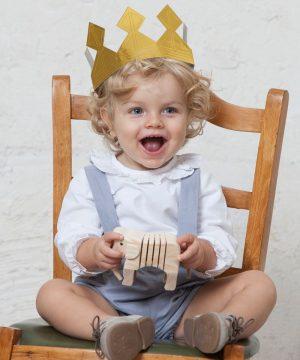 camisa de ceremonia para bebés de lino blanco y manga larga