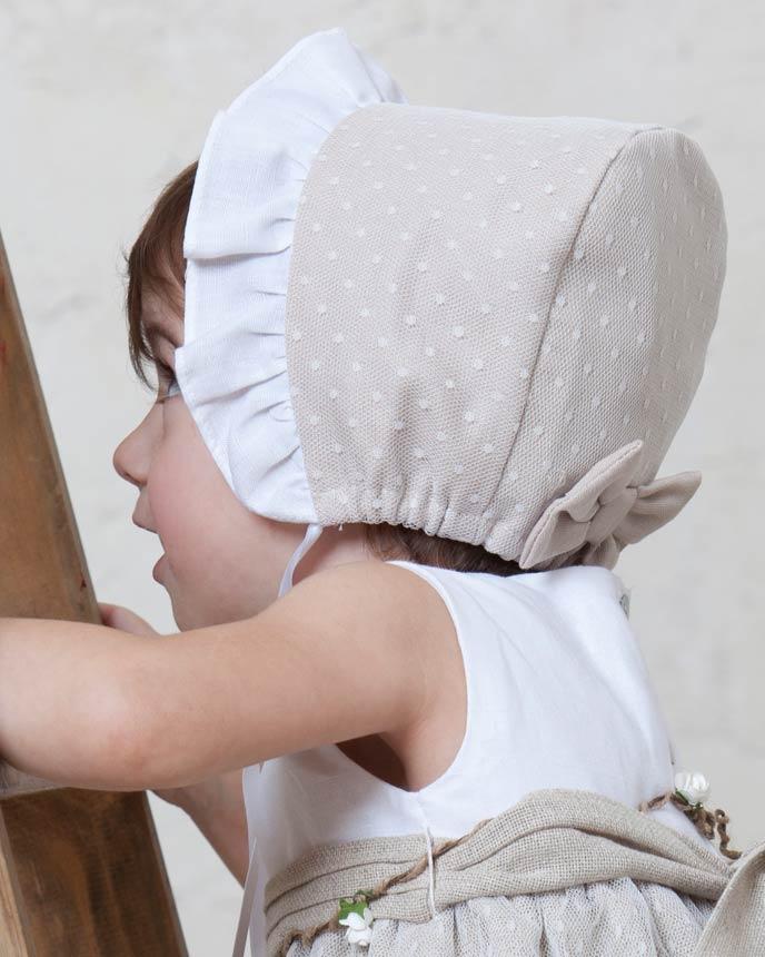 Cómo vestir a un bebé en un bautizo