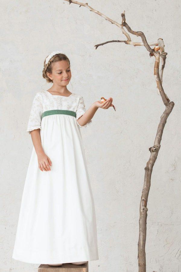 vestido de primera comunión para niña estampado con escote cuadrado y mangas con volantes