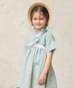 vestido de ceremonia de niña en verde agua