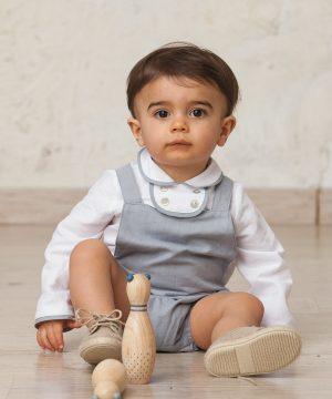 camisa de bebé en lino con ribetes de ceremonia