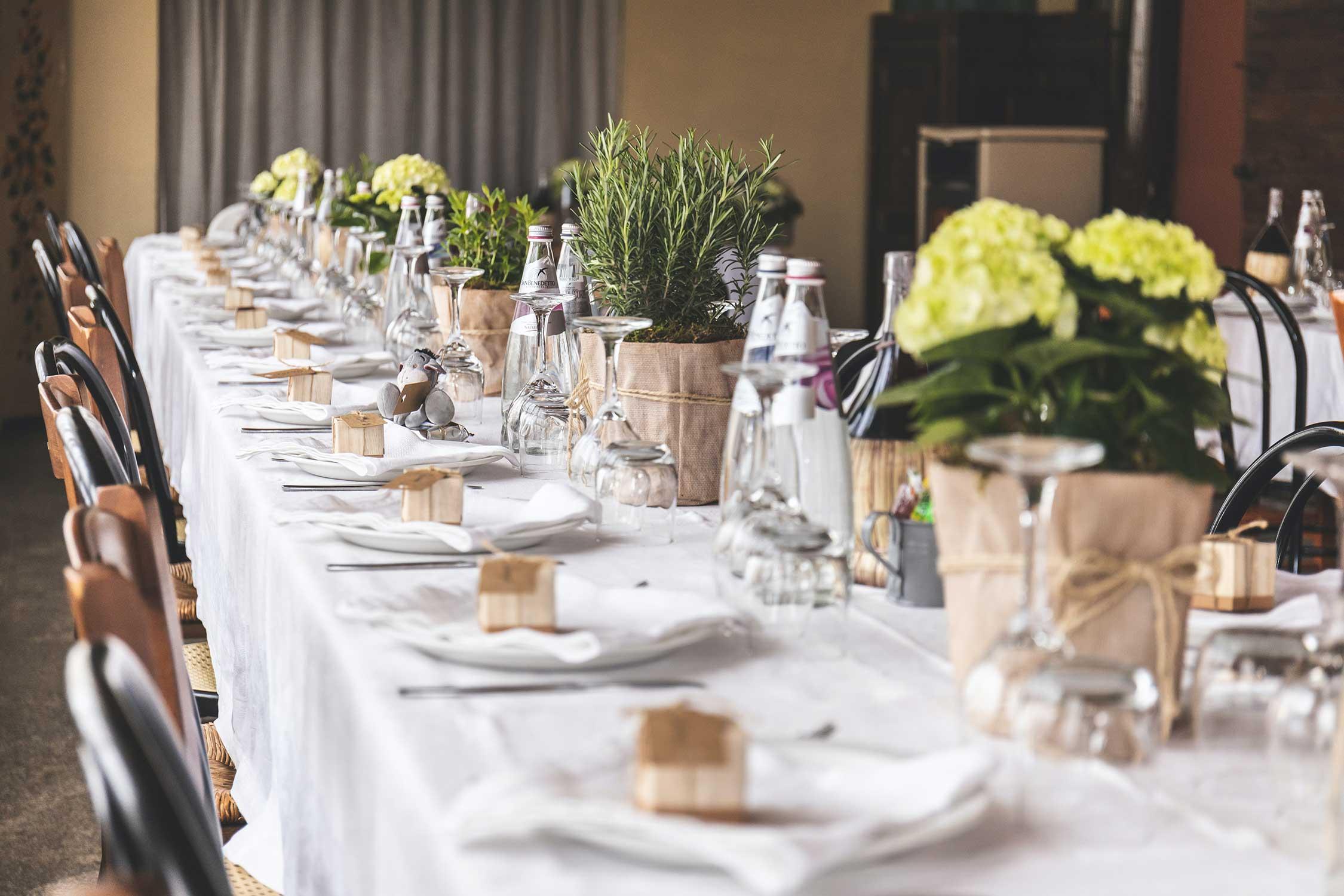 Cómo decorar la mesa de comunión