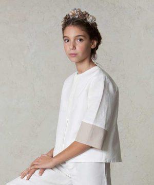 traje de comunión de niñas con pantalón moderno