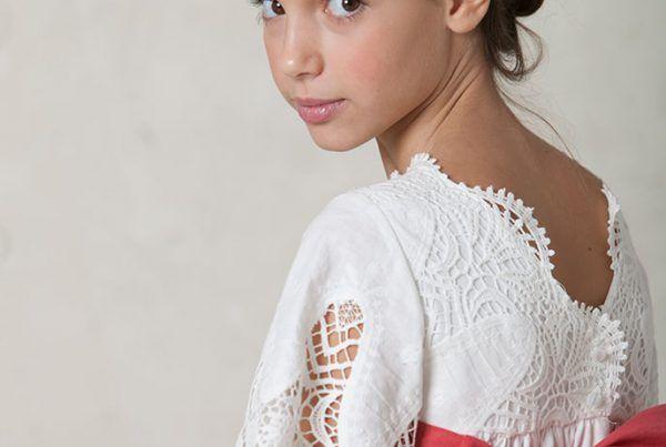 vestido de comunión romántico de lino y algodón