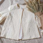 Abrigo brocado para las comuniones otoñales o para las bodas de invierno