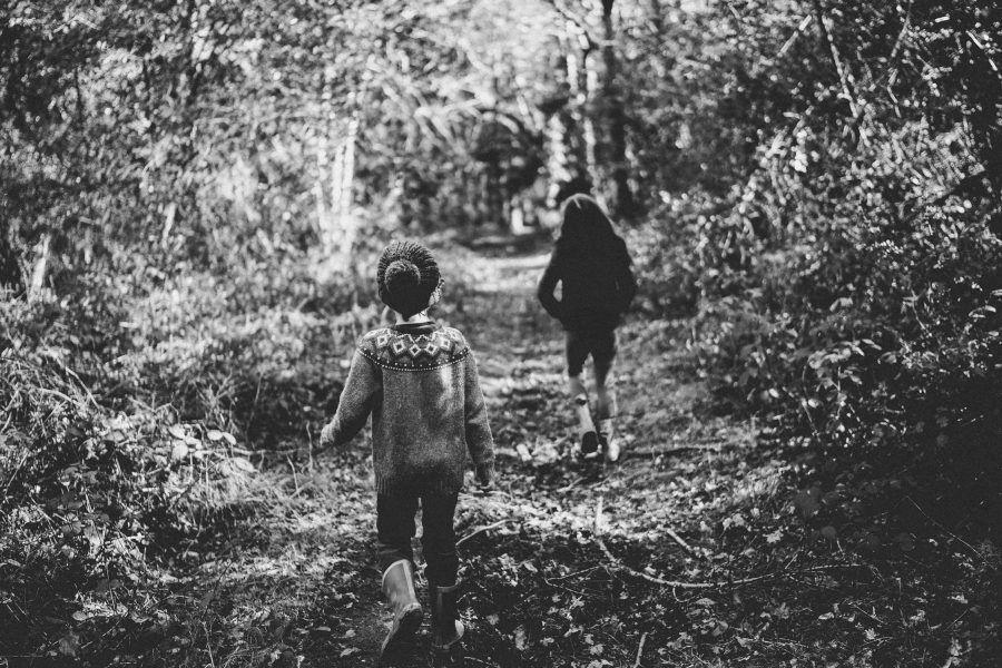 ayuda a tus hijos a mantener la distancia social con juegos y recursos para cuando se encuentren con amigos y conocidos