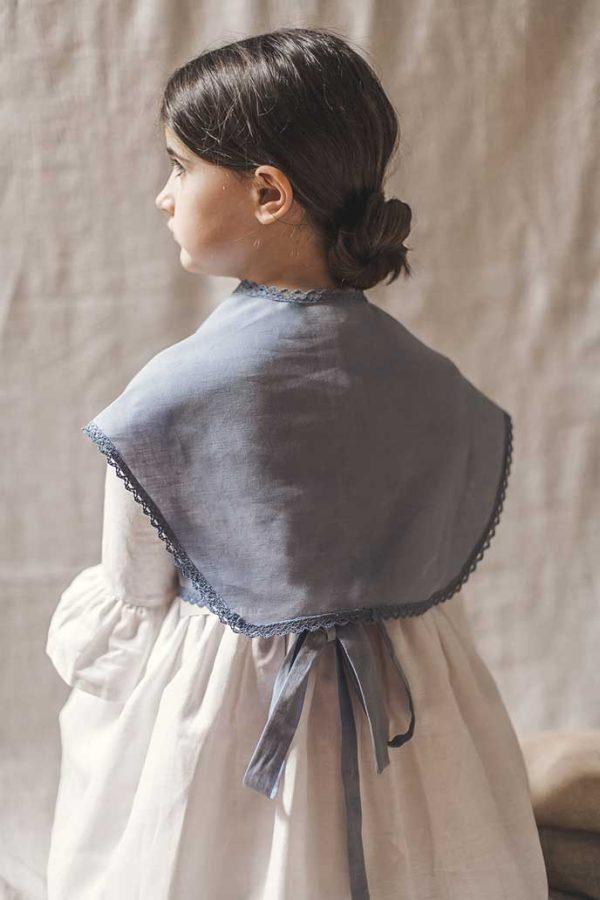 Complementos de abrigo de comunión como las mañanitas de lino con puntilla de crochet de algodón