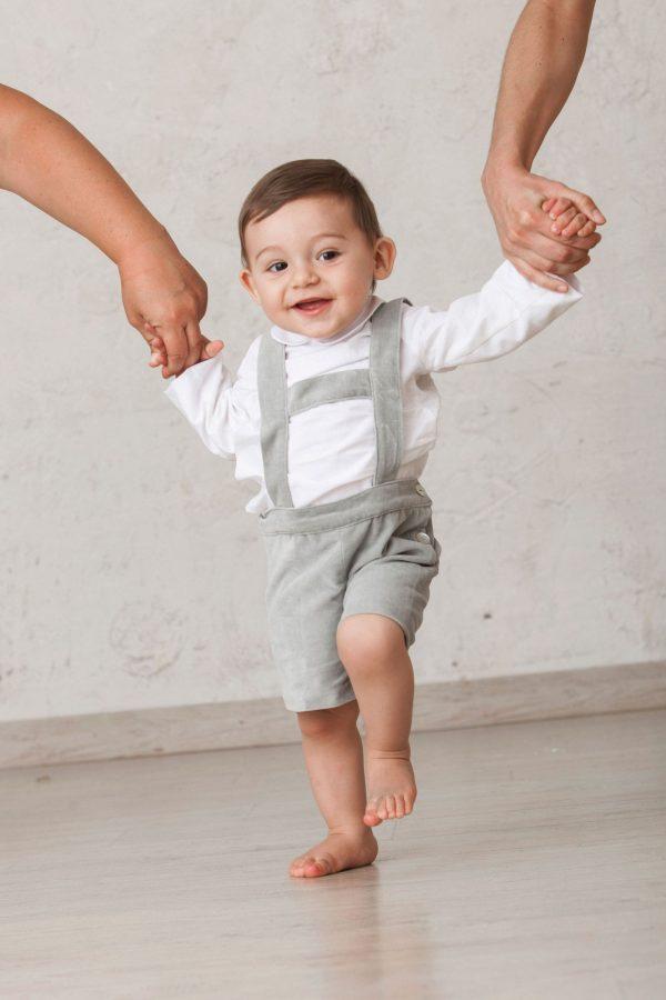 bermuda gris tirolesa de terciopelo para bebé