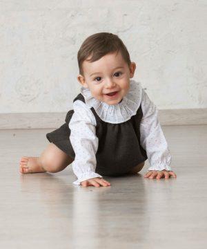 camisa de batista plumeti para bebé