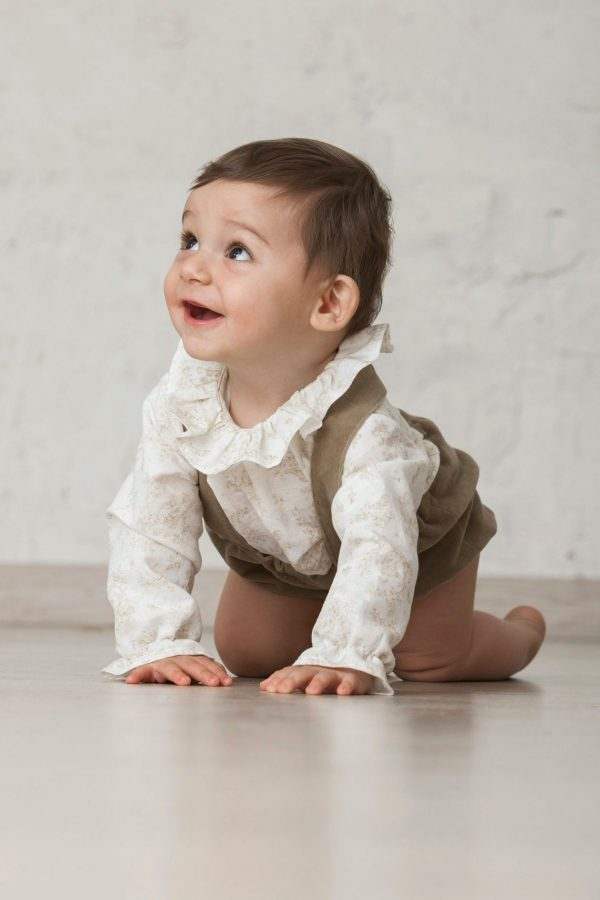 camisa de niño bebé de cuello león estampada