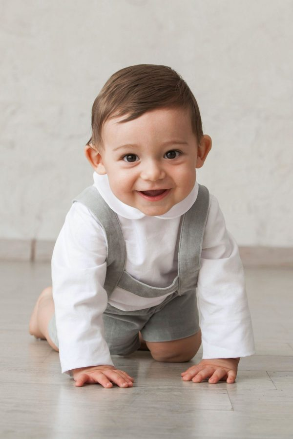 camisa blanca cuello bebé manga larga