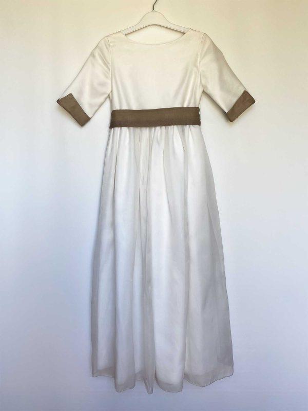 Vestido de comunión de outlet de organza con puños de organza de color