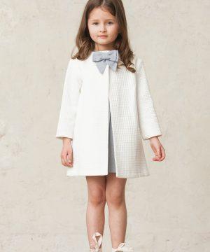 abrigo blanco de niña
