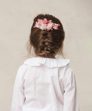 tocado de flores rosa de niña